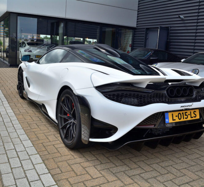 Nederland is een McLaren 765LT á 400.000 euro rijker