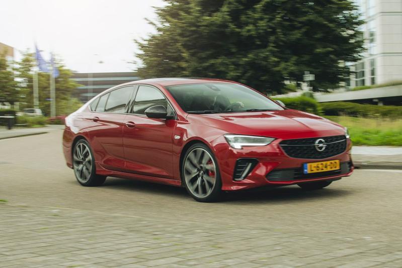 Opel Insignia GSi - Achteruitkijkspiegel