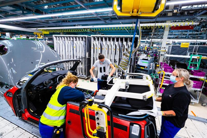 VDL Nedcar start productie weer op na week vertraging