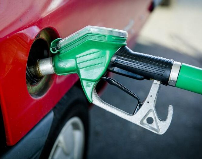 Frans supermarktketen biedt brandstof tegen kostprijs aan